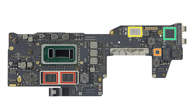 「M.2」PCIe SSD 形狀很不一樣,MacBook Pro 13 Late 2016 with Touch Bar 拆解完成
